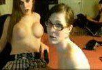 Lindas travestis amadoras fazendo putaria na webcam